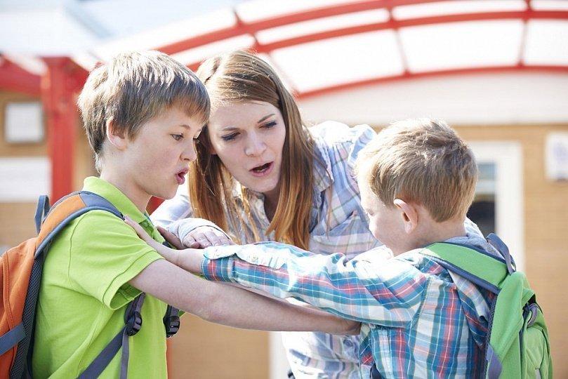 учить ребенка давать сдачу